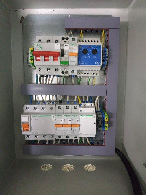 Шкаф управления электрообогревом металлический ШУ-ЭО-6,6/380-С