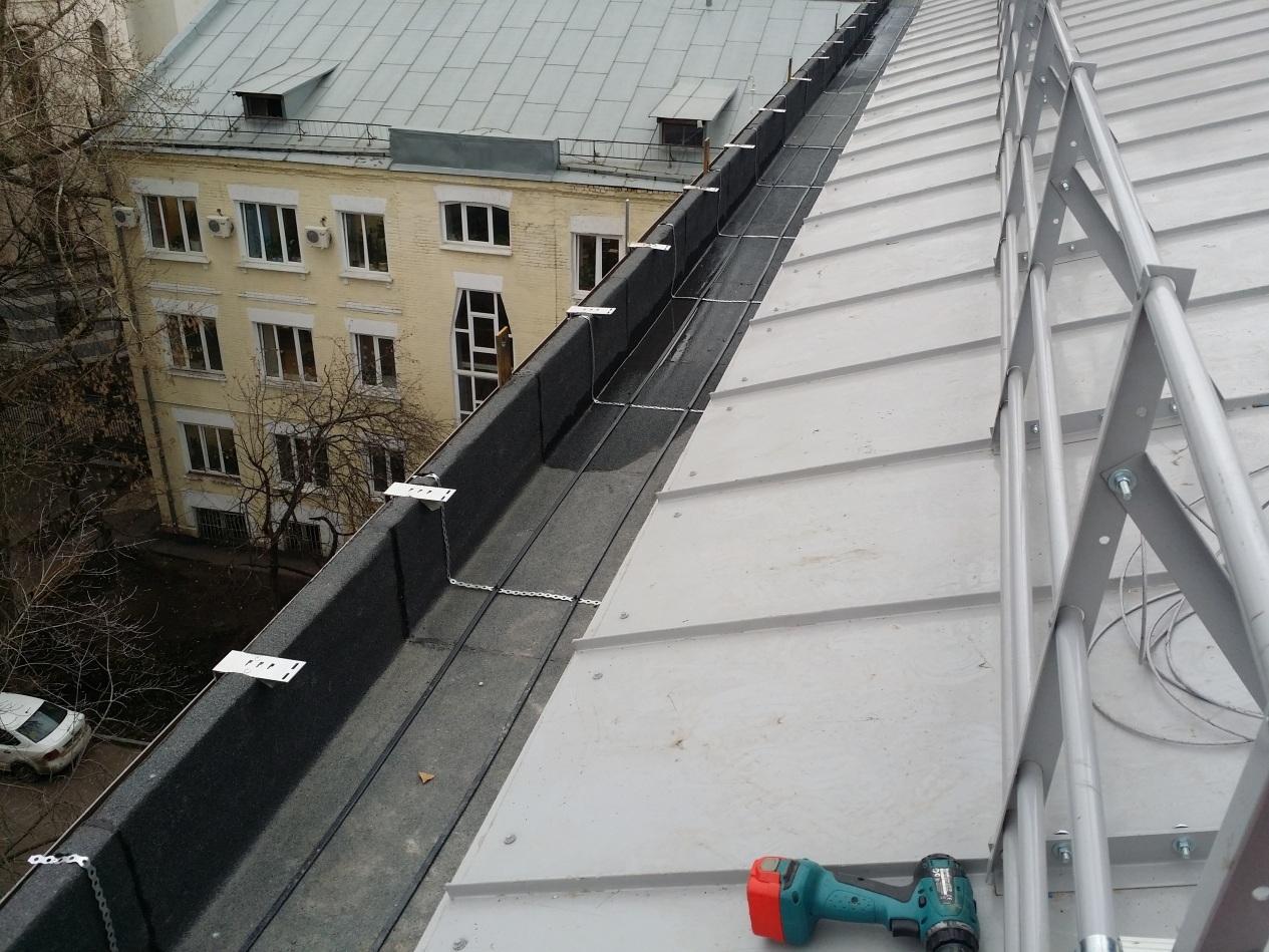 Системы электрообогрева кровли административного здания